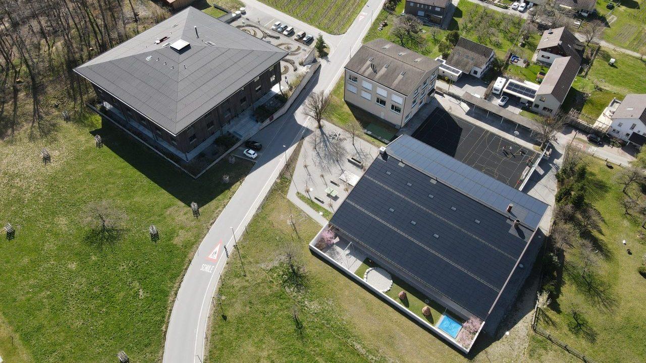 Drohnenbild des MZG Fläsch an einem sonnigen Tag